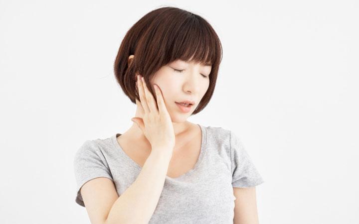 顎関節症を放置した場合のリスクとは