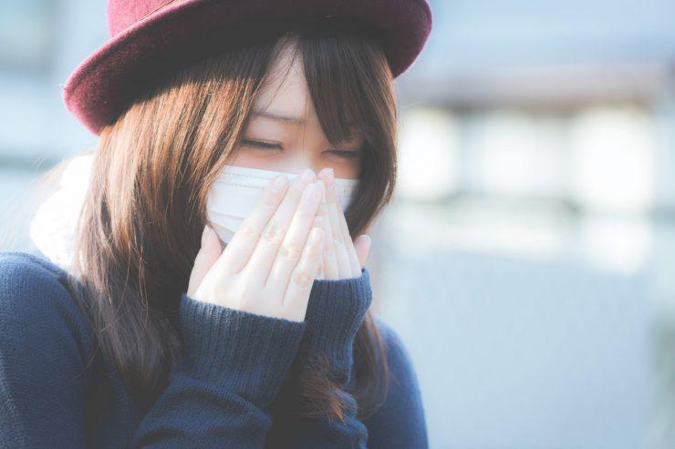 気になる口臭の原因とは?セルフチェック法も紹介します